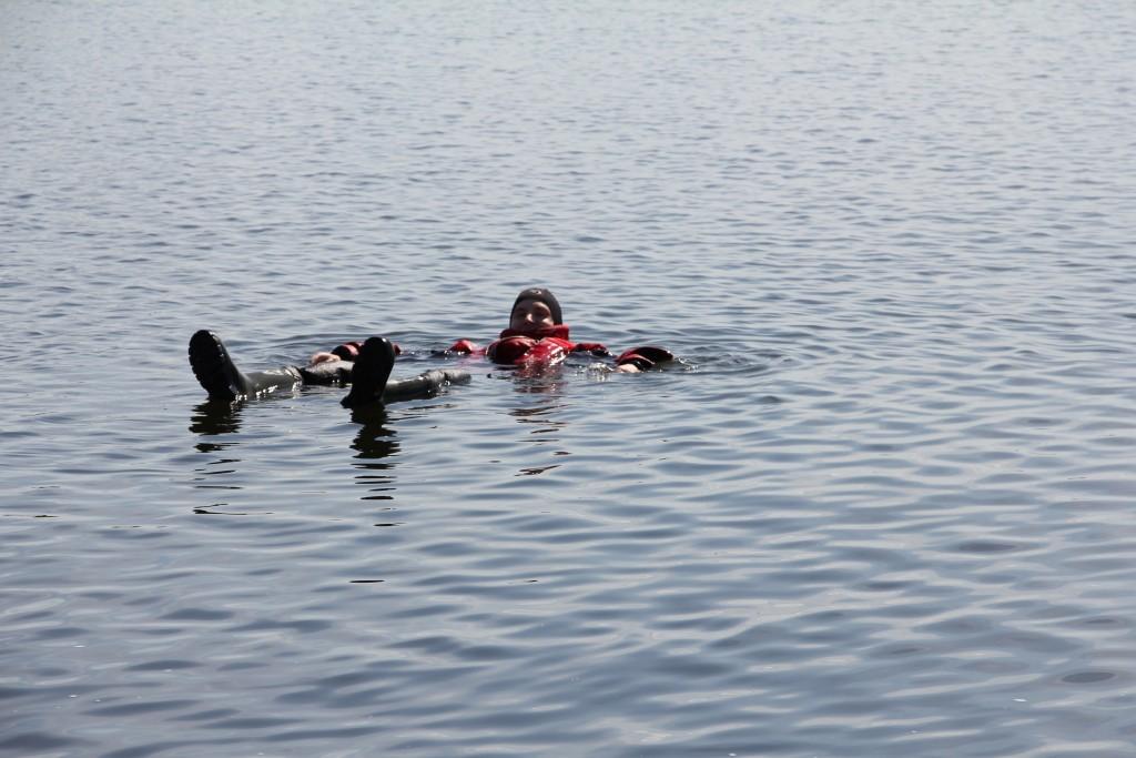 Kauniina kesäpäivänä järvessä kelluttelu oli varsin mieluisaa puuhaa.